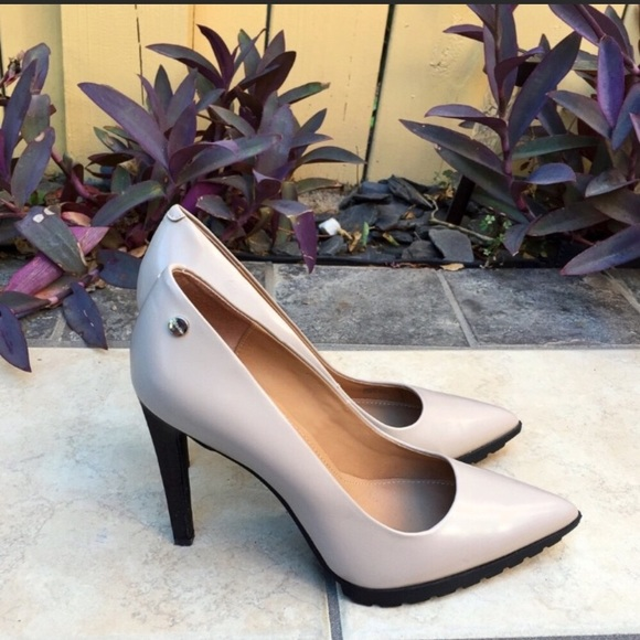 e02395aea37 Calvin Klein Shoes - Calvin Klein Brady Tan Pointy Leather Pumps Sz 8.5